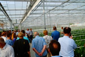 Regiosafari Arnhem Nijmegen brengt bezoek aan Zandvoortflowers te Huissen